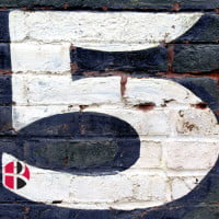 Picture of 5 on brick wall for feature image of HR Examiner August 6, 2014 Five Things