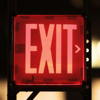 exit sign in HRExaminer.com article, Silicon Software Diaspora published May 18, 2016. Photo CC0 by Leeroy.ca